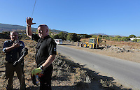 Pictured: Detective Inspector Jon Cousins of South Yorkshire Police briefs the media at the start of day 14 of the search at the new site in Kos, Greece. Sunday 09 October 2016<br />