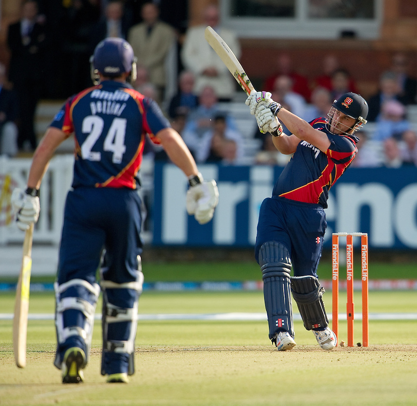 Essex Eagles' Hamish Rutherford pulls for four against Middlesex Panthers at Lords<br /> <br />  (Photo by Ashley Western/CameraSport) <br /> County Cricket - Friends Life t20 2013 - Middlesex v Essex - Thursday 04th July 2013 - Lord's, London <br /> <br />  &copy; CameraSport - 43 Linden Ave. Countesthorpe. Leicester. England. LE8 5PG - Tel: +44 (0) 116 277 4147 - admin@camerasport.com - www.camerasport.com