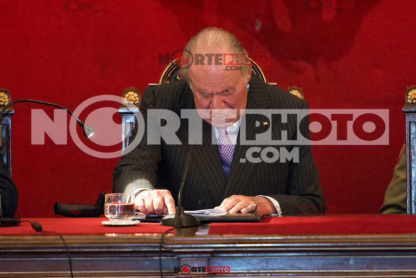 King Juan Carlos I attends to deliver to his Highness the Princess Margarita of the gold medal of the Royal National Academy of Medicine in Madrid, May 08, 2017. Spain.<br /> (ALTERPHOTOS/BorjaB.Hojas)
