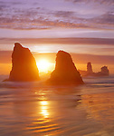Seastacks at sunset along the Pacific Ocean coastline, Bandon Beach, Oregon, USA John offers private photo tours in Washington and throughout Colorado. Year-round.