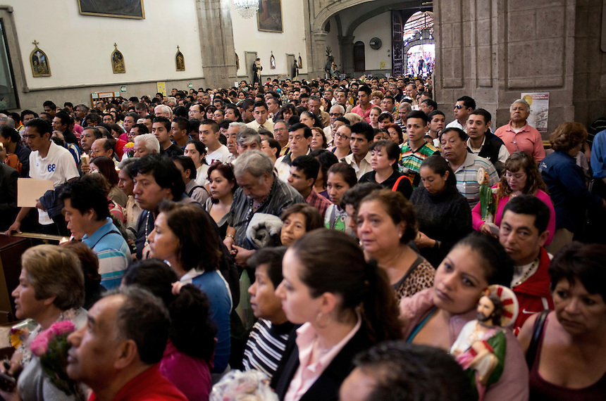 Mass for (San Judas Tadeo) Saint Judas, patron saint favored by criminals and ex-criminals. Mexico City.