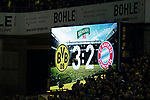10.11.2018, Signal Iduna Park, Dortmund, GER, 1.FBL, Borussia Dortmund vs FC Bayern M&uuml;nchen, DFL REGULATIONS PROHIBIT ANY USE OF PHOTOGRAPHS AS IMAGE SEQUENCES AND/OR QUASI-VIDEO<br /> <br /> im Bild | picture shows:<br /> Anzeigetafel mit dem Spielstand 3:2, <br /> <br /> Foto &copy; nordphoto / Rauch