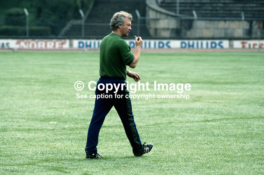 Billy Bingham, manager, N Ireland football team, 198011000366e..Copyright Image from Victor Patterson, 54 Dorchester Park, Belfast, UK, BT9 6RJ..Tel: +44 28 9066 1296.Mob: +44 7802 353836.Voicemail +44 20 8816 7153.Skype: victorpattersonbelfast.Email: victorpatterson@mac.com.Email: victorpatterson@ireland.com (back-up)..IMPORTANT: If you wish to use this image or any other of my images please go to www.victorpatterson.com and click on the Terms & Conditions. Then contact me by email or phone with the reference number(s) of the image(s) concerned.