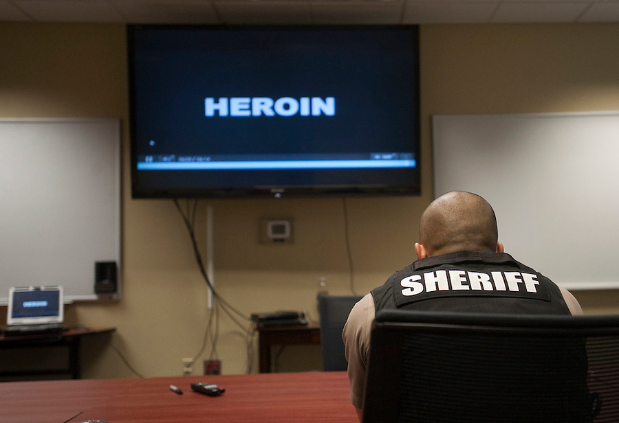 Deputy sheriff Jack Phane at a training session to learn how to use and administer the inhalant naloxone, Wednesday May 18, 2016. (Photo by Natalie Behring/The Columbian)