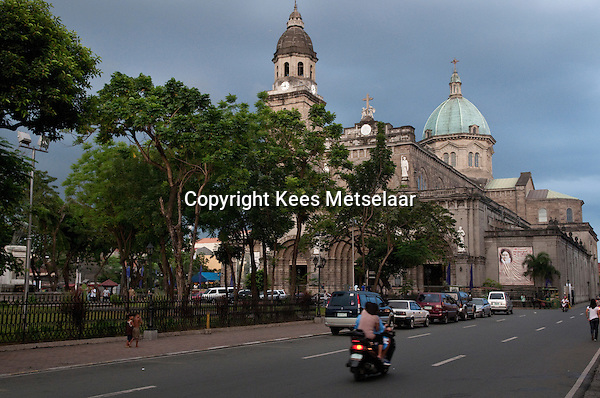Philippines, Manila, 2 march, 2008..Manila Cathedral in Intramuros the oldest district of the city of Manila...De Manila Cathedraal in Intramuros, het oudste district van Manila, de hoofdstad van de Filippijnen...Photo Kees Metselaar