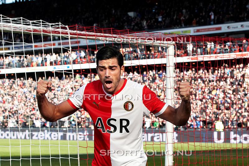 Nederland, Rotterdam, 28 oktober  2012.Eredivisie.Seizoen 2012-2013.Feyenoord-Ajax 2-2.Graziano Pelle van Feyenoord juicht na het scoren van de 1-0