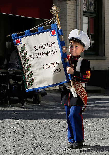 Sittard - Jaarlijks Oktoberfeest.  Op zondag is er een optocht van gilden en schutterijen. Schutterij Sint Stephanus uit Dieteren
