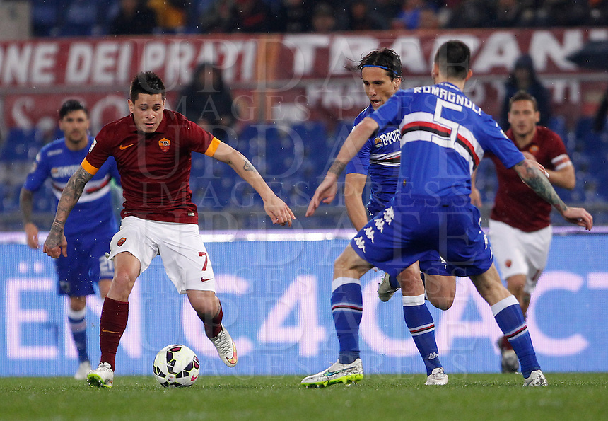 Calcio, Serie A: Roma vs Sampdoria. Roma, stadio Olimpico, 16 marzo 2015. <br /> Roma&rsquo;s Juan Iturbe, left, in action during the Italian Serie A football match between Roma and Sampdoria at Rome's Olympic stadium, 16 March 2015.<br /> UPDATE IMAGES PRESS/Isabella Bonotto