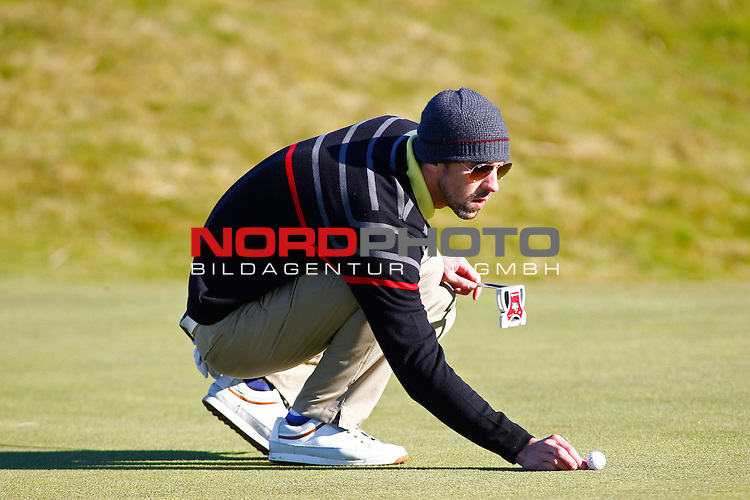 04 October 2012. Olympic gold medalist Michael Phelps  while competing in The European Tour Alfred Dunhill Links Championship Golf Tournament, played on the Carnoustie Golf Course.                                                                                                       Foto nph /  Mitchell Gunn/ESPA *** Local Caption ***