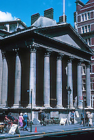 Nicholas Hawksmoor: St. George, Bloomsbury 1716-31. Photo '90.