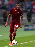 Calcio, Champions League, Gruppo E: Roma vs CSKA Mosca. Roma, stadio Olimpico, 17 settembre 2014.<br /> Roma midfielder Seydou Keita, of Mali, in action during the Group E Champions League football match between AS Roma and CSKA Moskva at Rome's Olympic stadium, 17 September 2014.<br /> UPDATE IMAGES PRESS/Isabella Bonotto