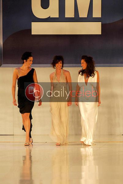 Alexandra Hedison with Katherine Moennig and Erin Daniels <br />on the runway at General Motors Annual Ten Event. Vine Blvd, Hollywood, CA. 02-28-06<br />Scott Kirkland/DailyCeleb.Com 818-249-4998
