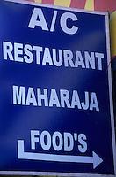 "Asie/Inde/Rajasthan/Jaipur: Enseigne du restaurant ""Maradja Food"" sur Ambert Road"
