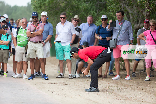 Pablo Larrazabal (ESP) on the 2nd during the final round of the Abu Dhabi HSBC Championship, Abu Dhabi Golf Club, Abu Dhabi,  United Arab Emirates. 22/01/2017<br /> Picture: Golffile | Fran Caffrey<br /> <br /> <br /> All photo usage must carry mandatory copyright credit (&copy; Golffile | Fran Caffrey)