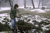 HS18-022z  Putting manure on garden