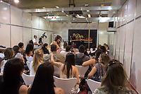 SAO PAULO, SP, 27.03.2014 - EROTIKA FAIR 2014. Aula de Pole Dance durante abertura da  21 Erotika Fair - Feira Internacional de Produtos e Serviços do Mercado Adulto. A feira acontece de 27 a 30 de março no centro de Exposicoes Imigrantes, na zona sul da capital paulista. (Foto:Adriana Spaca/Brazil Photo Press)