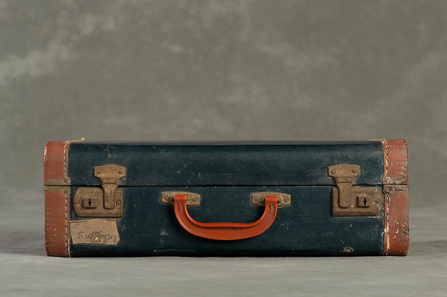 Willard Suitcases / Francis H / ©2014 Jon Crispin