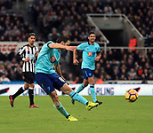 4th November 2017, St James Park, Newcastle upon Tyne, England; EPL Premier League football, Newcastle United Bournemouth; Harry Arter of AFC Bournemouth fires a shot at goal in the second half