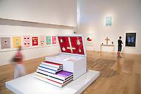 Lightbox Gallery-Damien Hirst