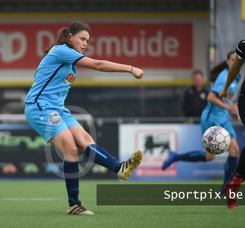 20181006 - DIKSMUIDE , BELGIUM : Famkes Westhoek Diksmuide Merkem's Sofie Huyghebaert pictured during a soccer match between the women teams of Famkes Westhoek Diksmuide Merkem and KRC GENK B  , during the 3th matchday in the 2018-2019  Eerste klasse - First Division season, Saturday 6 October 2018 . PHOTO SPORTPIX.BE | DIRK VUYLSTEKE