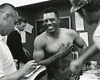 Giant slugger Willie Mays talks to reporter's after record HR. (photo/Ron Riesterer)