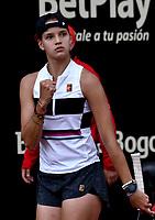 BOGOTÁ-COLOMBIA, 09-04-2019: Emiliana Arango de Colombia, celebra el punto ganado a Bibiane Schoofs de Paises Bajos, durante partido por el Claro Colsanitas WTA, que se realiza en el Carmel Club en la ciudad de Bogotá. / Emiliana Arango from Colombia, celebrates the point won to Bibiane Schoofs from Netherlans, during a match for the WTA Claro Colsanitas, which takes place at Carmel Club in Bogota city. / Photo: VizzorImage / Luis Ramírez / Staff.