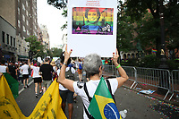 NOVA YORK, USA, 24.06.2018 - PROTESTO-NOVA YORK - Manifestantes realizam ato durante a Parada LGBT em na cidade de Nova York nos Estados Unidos neste domingo, 24. (Foto: Vanessa Carvalho/Brazil Photo Press)