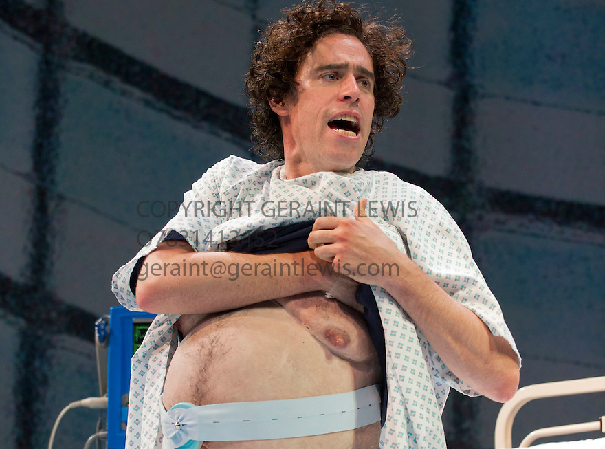 Birthday by Joe Penhall, directed by Roger Michell. With Stephen Mangan as Ed. Opens at The Royal Court Theatre on 28/6/12 CREDIT Geraint Lewis
