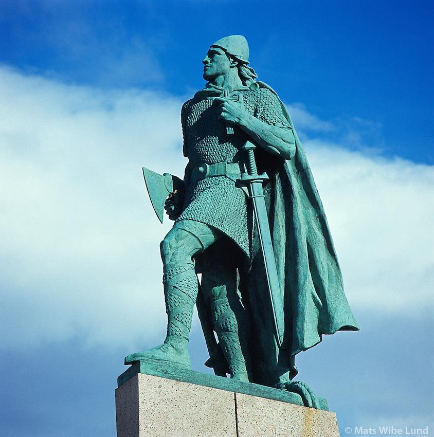 Leifur heppni - styttan efst á Skólavörðustig, Reykjavík..Leifur Eiriksson - Leifur heppni - discoverer of The North American Continent year 1000..Statue presented to the People of Iceland by the people of USA