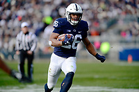 STATE COLLEGE, PA - NOVEMBER 11:  Penn State RB Saquon Barkley (26) runs to the one-yard-line after a hook and ladder lateral reception. The Penn State Nittany Lions defeated the Rutgers Scarlet Knights 35-6 on November 11, 2017 at Beaver Stadium in State College, PA. (Photo by Randy Litzinger/Icon Sportswire)