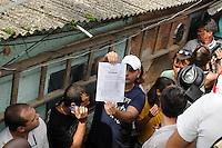 RIO DE JANEIRO, RJ, 04 DE MARCO DE 2013 - DESOCUPAÇÃO DO HORTO FLORESTAL JARDIM BOTANICO- O ministério público Federal decidiu nesta tarde construir 4 casas para moradores que vivem no horto florestal no Jardim botânico Zona Sul do Rio, mas a juiza Maria Melha não aceitou a decisão da justiça. FOTO: SANDRO VOX / BRAZIL PHOTO PRESS