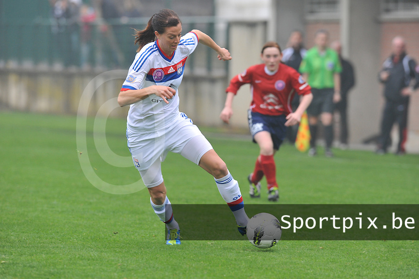 1/2 finale Coupe De France in Arras , stade Degouve : Arras - Olympique Lyonnais Lyon : Lotta Schelin.foto JOKE VUYLSTEKE / Vrouwenteam.be