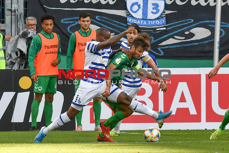 11.08.2019, Schauinsland-Reisen-Arena, Duisburg, GER, DFB-Pokal, MSV Duisburg vs SpVgg Greuther Fuerth, DFL regulations prohibit any use of photographs as image sequences and/or quasi-video<br /> <br /> im Bild v. li. im Zweikampf Leroy-Jacques Mickels (#20, MSV Duisburg) Marco Caligiuri (#13, SpVgg Greuther Fürth / Fuerth) <br /> <br /> Foto © nordphoto/Mauelshagen