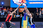 04.01.2019, Den Haag, Sportcampus Zuiderpark<br />Beachvolleyball, FIVB World Tour, 2019 DELA Beach Open<br /><br />Angriff Anders Mol (#1 NOR) - Block Alexander Walkenhorst (#1 GER)<br /><br />  Foto © nordphoto / Kurth