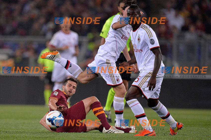 Miralem Pjanic Roma, Mario Balotelli Milan <br /> Roma 25-04-2014 Stadio Olimpico - Football Calcio 2013/2014 Serie A, AS Roma - Milan, Foto Andrea Staccioli / Insidefoto