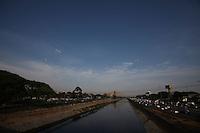 FOTO EMBARGADA PARA VEICULOS INTERNACIONAIS. SAO PAULO, SP, 19-09-2012, CLIMA TEMPO. Sao Paulo amanheceu com tempo seco, mas a previsao e de chuva para o final da tarde de hoje (19). Luiz Guarnieri/ Brazil Photo Press.