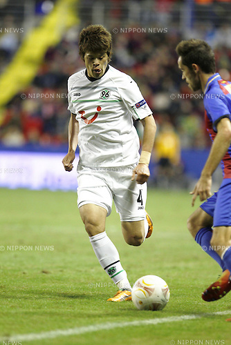 Hiroki Sakai (Hannover), DECEMBER 6, 2012 - Football / Soccer : UEFA Europa League Group L match between Levante UD 2-2 Hannover 96 at the Estadi Ciutat de Valencia in Valencia, Spain. (Photo by AFLO) [3604]