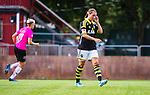 Solna 2014-08-16 Fotboll Damallsvenskan AIK - Kopparbergs/G&ouml;teborg FC :  <br /> AIK:s Julia Molin deppar <br /> (Foto: Kenta J&ouml;nsson) Nyckelord:  AIK Gnaget Kopparbergs G&ouml;teborg Kopparbergs/G&ouml;teborg depp besviken besvikelse sorg ledsen deppig nedst&auml;md uppgiven sad disappointment disappointed dejected