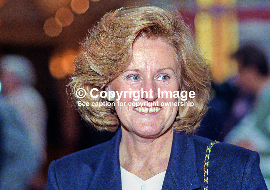 Elizabeth Smith, wife of John Smith, leader, UK Labour Party, taken at annual conference October 1992. 19921014ES.<br />