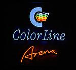 Handball Maenner 1. Bundesliga 2002/2003 Color Line Arena Hamburg (Germany) HSV Hamburg - SG Wallau-Massenheim (23:26) Leuchtschrift, Logo der Color Line Arena, Nachtaufnahme