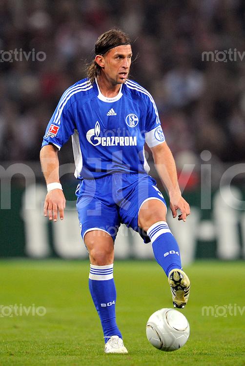 FUSSBALL   1. BUNDESLIGA   SAISON 2008/2009   6. SPIELTAG 1.FC Koeln - FC Schalke 04          26.09.2008 Marcelo BORDON (Schalke), Einzelaktion am Ball.