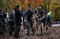 Toon Aerts (BEL/Telenet Fidea Lions) changing bikes in the pits<br /> <br /> Men's race<br /> Superprestige Asper-Gavere 2018 (BEL)