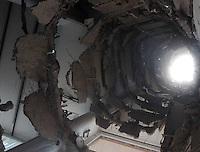 SÃO BERNARDO DO CAMPO, SP,07 FEVEREIRO 2012-. Fotos da parte interna do predio.  Desabamento  prédio comercial, na esquina da avenida Índico com a rua Jurubatuba, no centro de São Bernardo do Campo, no ABC, desabarem parcialmente por volta das 19h40 desta segunda-feira (6).(FOTO: ADRIANO LIMA - NEWS FREE).