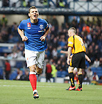 Lee McCulloch scores goal no 3 for Rangers and celebrates