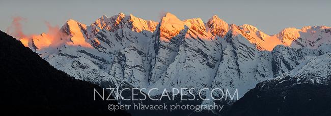 Sunset on Butler Ranges of Southern Alps near Whataroa, Westland Tai Poutini National Park, UNESCO World Heritage Area, West Coast, New Zealand, NZ