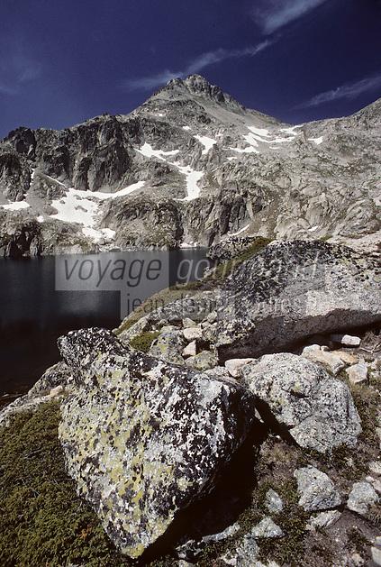 Europe/France/Midi-Pyrénées/65/Hautes-Pyrénées/Parc National des Pyrénées/Env Cauterets: Lac du Pourtet et Soum de Bassia (2758 mètres)