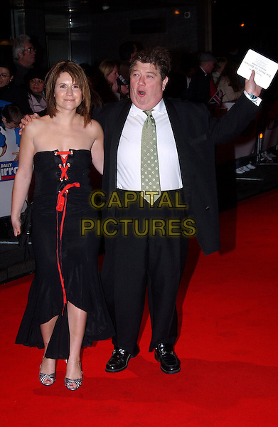 JONO COLEMAN & HARRIET SCOTT.Daily Mirror Pride Of Britain Awards, London Hilton Hotel, Park Lane.15th March 2004.full length, full-length, funny.www.capitalpictures.com.sales@capitalpictures.com.©Capital Pictures