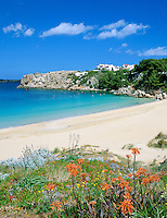 Spain, Balearic Islands, Menorca, near Arenal d'en Castell: secluded beach section in the North | Spanien, Balearen, Menorca, bei Arenal d'en Castell: einsamer Strandabschnitt im Norden