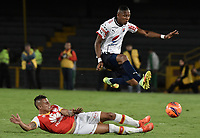 BOGOTÁ -COLOMBIA, 02-04-2017. Juan Daniel Roa (Izq.) jugador de Santa Fe disputa el balón con Yairo Moreno (Der.) jugador del Independiente Medellin durante el encuentro entre Independiente Santa Fe y Independiente Medellin por la fecha 11 de la Liga Aguila I 2017 jugado en el estadio Nemesio Camacho El Campin de la ciudad de Bogota. / Juan Daniel Roa (L) player of Santa Fe struggles for the ball with Yairo Moreno (R) player of Independiente Medellin during match between Independiente Santa Fe and Independiente Medellin for the date 11 of the Aguila League I 2017 played at the Nemesio Camacho El Campin Stadium in Bogota city. Photo: VizzorImage/ Gabriel Aponte / Staff