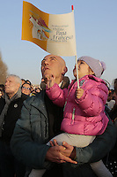 Papa Francesco incontro con i giovani sul lungomare di Napoli <br /> Napoli 21-03-2015 <br /> Visita Pastorale di Sua Santita' Papa Francesco all'Arcidiocesi di Napoli.<br /> Pastoral visit of his Holiness Pope Francis to the Archdiocese of Naples.<br /> Foto Cesare Purini / Insidefoto